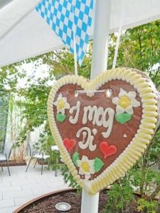 Ein Lebkuchenherz mit der Inschrift: I mag Di!