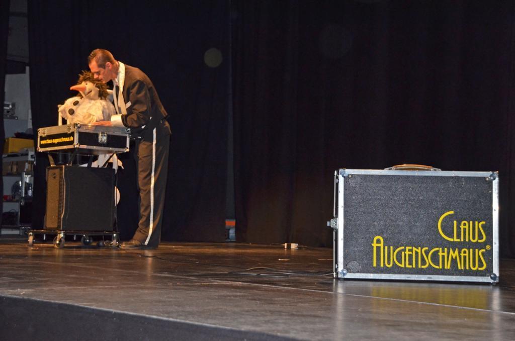 Claus Augenschmaus auf der Bühne.