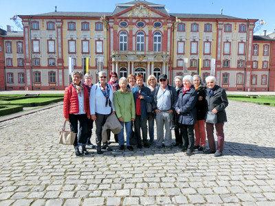 Gruppenbild von Ehrenamtlichen aus dem Hanne-Landgraf-Haus.