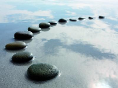 Steine im Wasser.