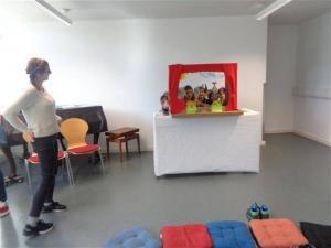 Puppentheater mit Kindern.