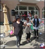 Sommerfest mit französischem Flair im Seniorenzentrum Stephanienstift.