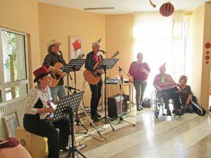Stellwerkband bei ihrem Auftritt im Seniorenzentrum Hanne-Landgraf-Haus.