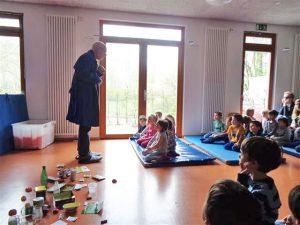 Theateraufführung in der Kita les petits amis