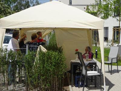 Muttertag am Gartenzaun im Anna Leimbach Haus