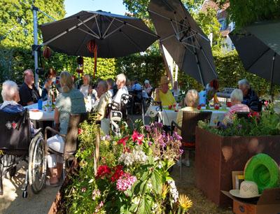 Seniorenzentrum Hanne-Landgra-Haus - SOmmerfest im Garten