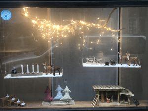 Weihnachtliche Schaufensterdekoration