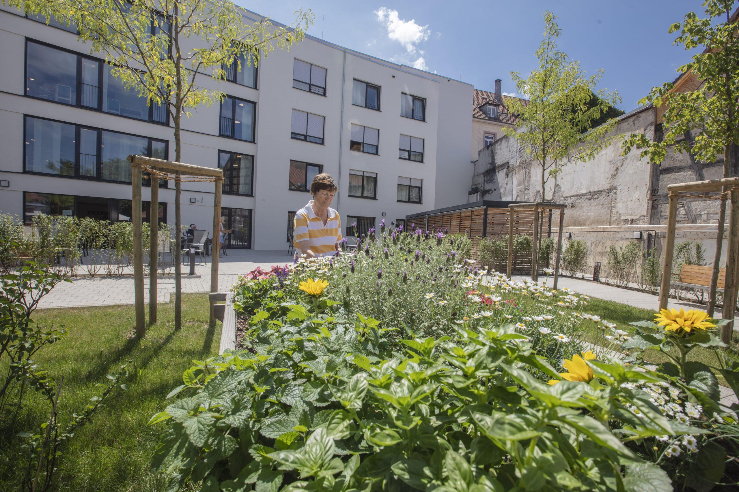 Garten Anna Leimbach Haus 2 scaled AWO Karlsruhe