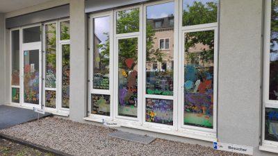 Bunte Fenster in Gruenwinkel 3 AWO Karlsruhe