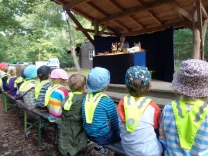 Kita les petits amis besucht das Open Air Marotte Theater 1 AWO Karlsruhe