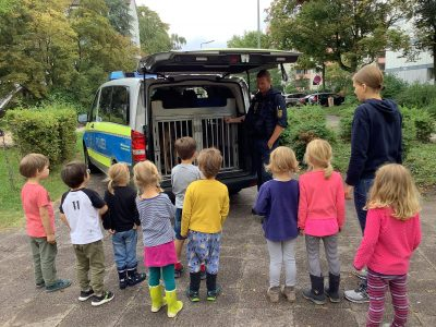 Polizeibesuch Kita les petits amis 1 AWO Karlsruhe